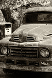 Cars - Ford - Route 66 - Gas Station - Arizona - United States