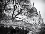 Carrousel Du XVIIIe Siecle Devant Le Sacré Cœur, À Montmartre, Paris Papier Photo par Philippe Hugonnard
