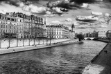 Quais de Seine - Ile Saint Louis - Seine River - Paris - France