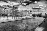Quais de Seine - Ile Saint Louis - Seine River - Paris - France