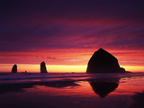 View of Haystack Rock on Cannon Beach at Sunset  Oregon  USA