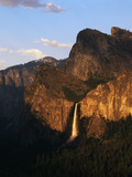 Bridalveil Fall with Cathedral Rocks  Yosemite National Park  California  USA
