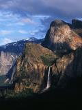 Bridal Veil Falls and Cathedral Rocks  Yosemite National Park  California  USA