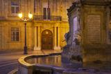 Fountain  Facade of Hotel De Ville  Aix-En-Provence  France