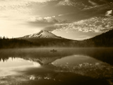 Fisherman  Trillium Lake  Mt Hood National Forest  Mt Hood Wilderness Area  Oregon  USA