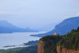 Vista House  from Chanticleer Point  Columbia Gorge National Scenic Area  Oregon  USA