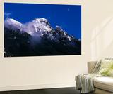 Moon over Cascade Mountains  Mount Baker-Snoqualmie National Forest  Washington  USA