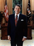 Official Portrait of President Reagan in the Oval Office June 3 1985 Po-Usp-Reagan_Na-12-0061M