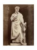 Statue of Dante Alighiere