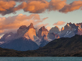 Chile  Magallanes Region  Torres Del Paine National Park  Lago Pehoe  Dawn Landscape