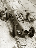 Changing tires at the Grand Prix on Nuerburgring  1934