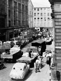 Glasgow Markets  Fruit Market Unloading  1955