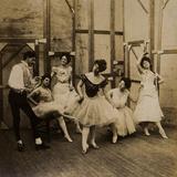 Dancers  1900