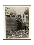 Portrait of Eva Booth at the Grave of Her Father  General William Booth  c1915
