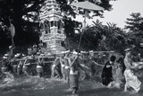 Procession Carrying Offerings to a Monastery  1985