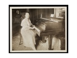 Miss Murray Louise Todd  1915-6