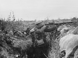 Lewis Gunner on the Firing Step of a Trench  1916-18