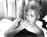 Kim Novak  Of Human Bondage (1964)