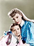 MEET ME IN ST LOUIS  from left: Margaret O'Brien  Judy Garland  1944
