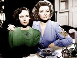 MRS MINIVER  from left: Teresa Wright  Greer Garson  1942