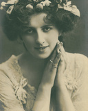 Celebrities of the Stage: Miss Mabel Hirst  C1903-08