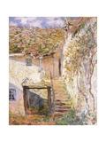 A Path on the Edges of Pontoise