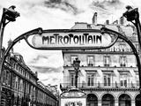 Art Deco Metropolitain Sign, Metro, Subway, the Louvre Station, Paris, France, Europe Reproduction d'art par Philippe Hugonnard