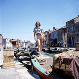 Sandie Shaw Poses Standing on An Old Boat