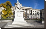 Monument of Wilhelm von Humboldt in front of Humboldt University  Unter den Linden  Berlin  Germany