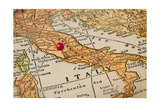 Italy Vintage 1920S Map (Printed In 1926 - Copyrights Expired) With A Red Pushpin On Rome