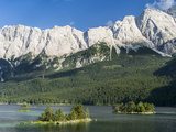 Lake Eibsee with Mt Zugspitze  Bavaria  Germany