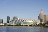 Cleveland Browns Stadium and City Skyline  Ohio  USA