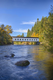 Goodpasture Covered Bridge  Mckenzie River  Lane County  Oregon  USA