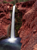 Mooney Falls in Havasu Canyon  Grand Canyon  Arizona  USA