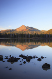 Sparks Lake with Broken Top  Deschutes National Forest Oregon  USA