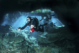 Technical Divers Enter the Cavern System in Mexico