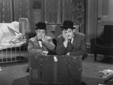 Oliver Hardy  Stan Laurel  Pack Up Your Troubles  1932