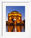 Palace of Fine Arts at Dusk in San Francisco  California  Usa
