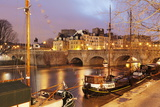 Ships on the River Seine and Pont Neuf  Paris  Ile De France  France  Europe