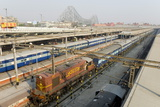 Howrah Railway Station  with Howrah Bridge Beyond  Kolkata (Calcutta)  West Bengal  India  Asia