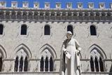 Statue of Sallustio Bandini  Palazzo Salimbeni  Siena  Tuscany  Italy