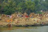 Village on the Bank of the Hooghly River  Part of the Ganges River  West Bengal  India  Asia