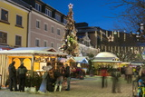 People at Christmas Market  Haupt Square  Schladming  Steiemark  Austria  Europe