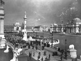 Visitors Strolling at Chicago Exposition