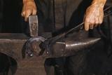 Hammering Horseshoe