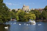 Windsor Castle and River Thames  Windsor  Berkshire  England  United Kingdom  Europe