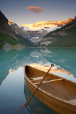 Canoe on Lake Louise at Sunrise  Lake Louise  Banff National Park  Alberta  Canada