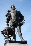 Statue of Sir Francis Drake on Plymouth Hoe  Plymouth  Devon  England  United Kingdom  Europe