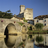 Chateau De Bourdeilles and Dronne River  Bourdeilles  Dordogne  Aquitaine  France  Europe