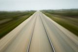 Railroad Tracks, Churchill, Manitoba, Canada Papier Photo par Paul Souders